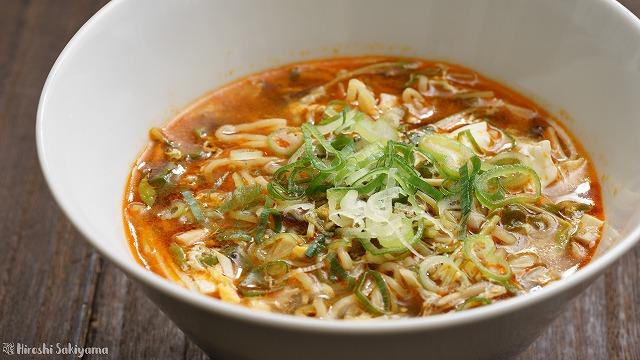 酸辣湯麺(サンラータンメン/スーラータンメン)のアップ
