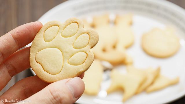 型抜き米粉クッキー、肉球型