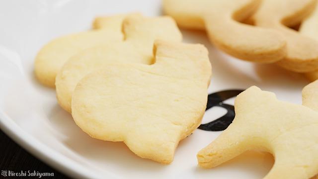 型抜き米粉クッキー、座った猫型