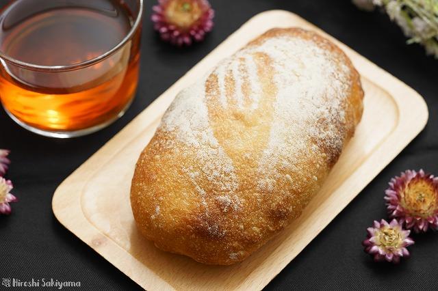 ルバーブとクリームチーズのパン