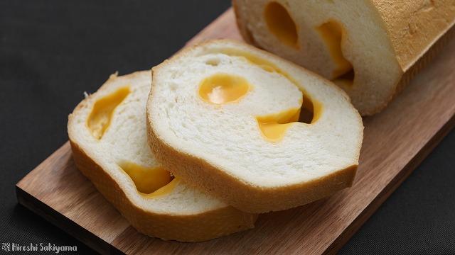 チーズロードをカットしたようす