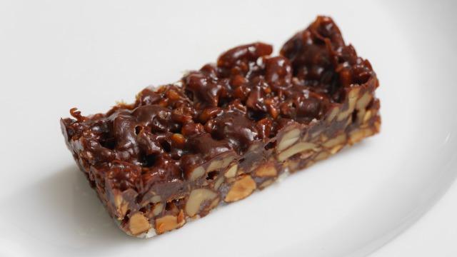 パウンド型で焼いてカットしたキャラメルチョコナッツ