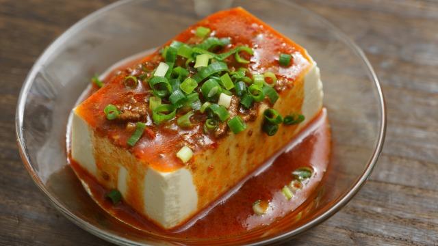 無印良品「麺にかける 四川風麻婆ソース」を豆腐にかけた様子