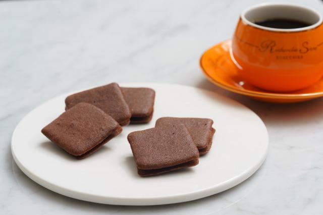 チョコラングドシャサンド