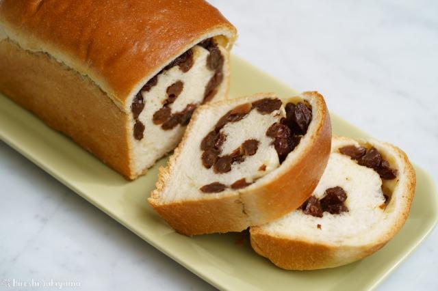 ぶどうパン(小)をカットした様子
