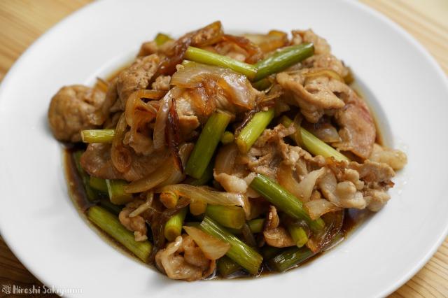 豚肉とにんにくの芽のスタミナ炒めのアップ