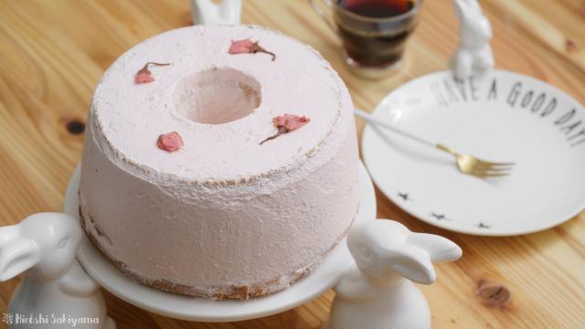 桜のシフォンケーキ