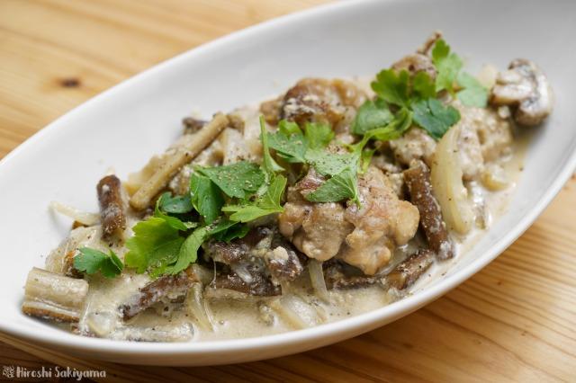 鶏肉とごぼうのフリカッセ(クリーム煮)