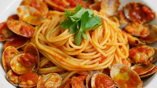 トマトソースのあさりのパスタ、ボンゴレ・ロッソのどアップ