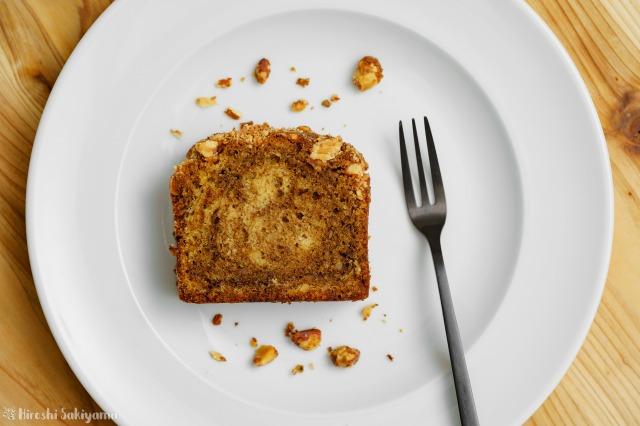 アーモンドコーヒーパウンドケーキを上から見た様子