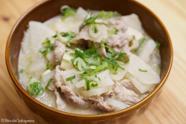 豚肉・大根・エリンギのごまみそ煮のアップ