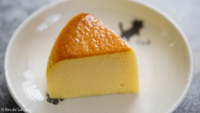 カットした割れない&シワにならない(なりにくい)スフレチーズケーキのどアップ