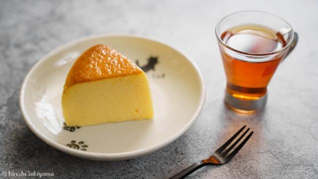切り分けた割れない&シワにならない(なりにくい)スフレチーズケーキ