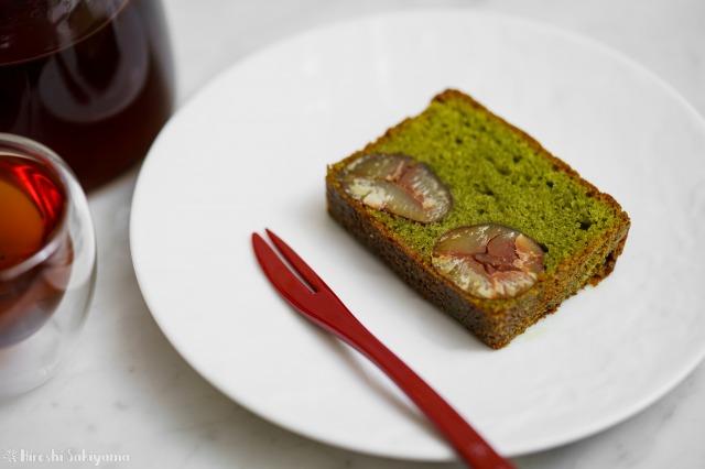 抹茶と栗のパウンドケーキの1切れ