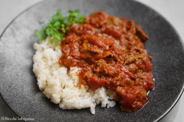 ラム肉のトマトカレーのアップ