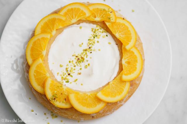 オレンジのエンゼルフードケーキを上から見た様子
