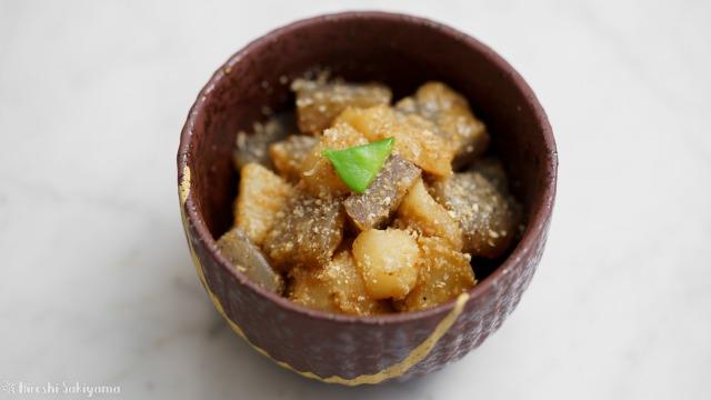菊芋とこんにゃくのごま味噌煮