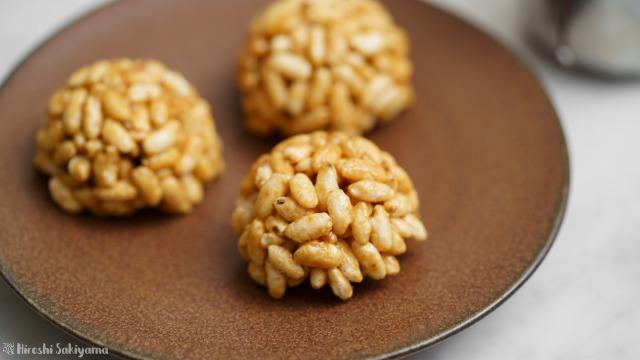キャラメルポン菓子(玄米ぽん)のアップ