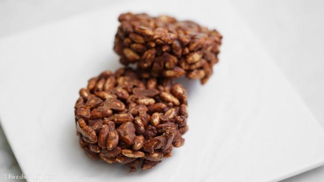 ポン菓子(玄米ぽん)で作るチョコクランチのアップ