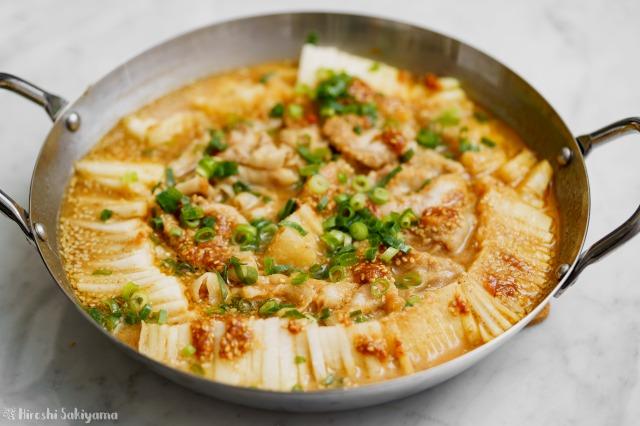 大根と豚肉の辛ごま味噌鍋