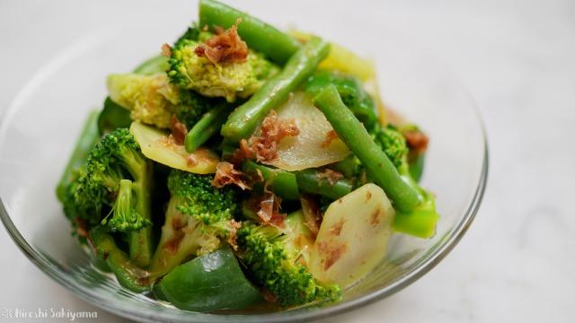 みどり野菜のめんつゆおかか和えのどアップ