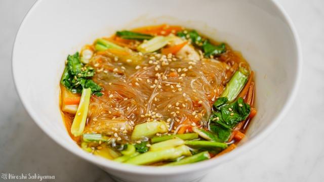 エリンギと小松菜のピリ辛春雨スープ