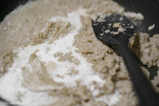 マッシュルームペーストに牛乳or豆乳・生クリームを加えた様子