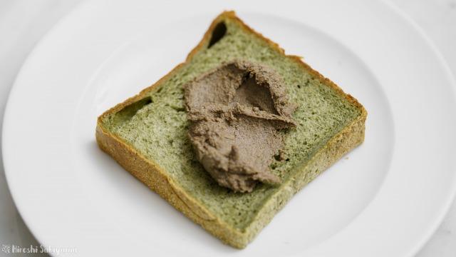 パンに塗る黒ごまきな粉バター
