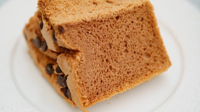 米粉チョコシフォンケーキの断面