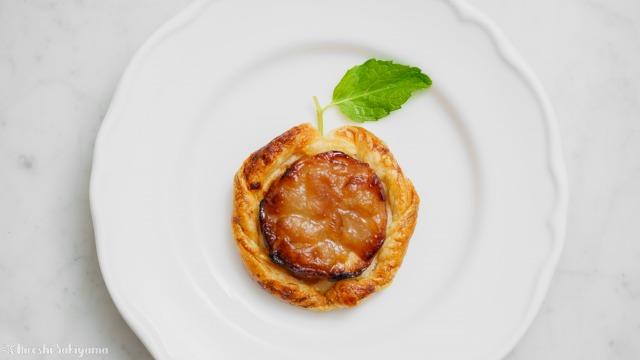 りんご・冷凍パイシート・砂糖だけで作るアップルパイ、りんごの形