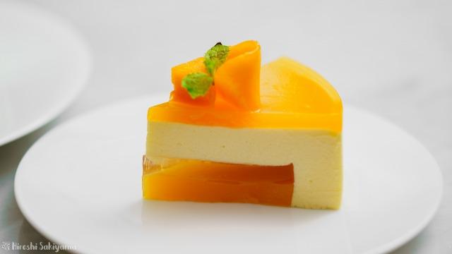 マンゴームースケーキの1ピース