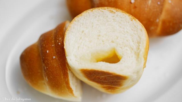 塩パン、塩バターロールの断面