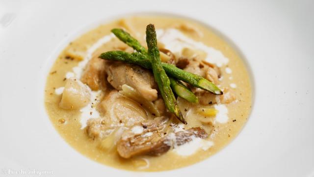 鶏肉とポルチーニのブラウンクリーム煮のアップ