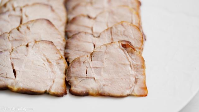 オーブンで焼く焼き豚・チャーシューのどアップ