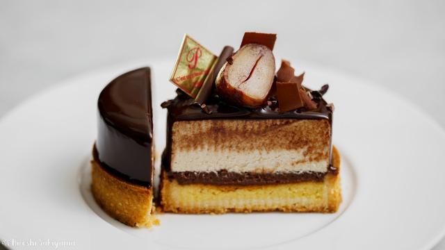 チョコとマロンムースのタルトの断面