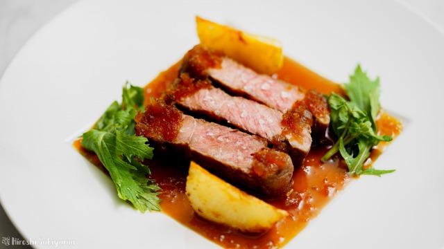 和風玉ねぎソースのステーキ