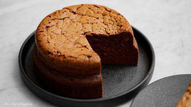 チョコスフレチーズケーキ、切り分けた