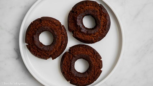 サクサクチョコオールドファッションドーナツ、上から