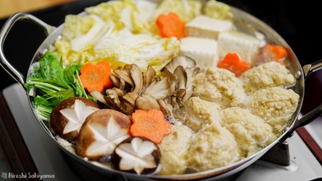 白だしで作るぷるぷるふわふわ鶏団子(鶏つくね)鍋