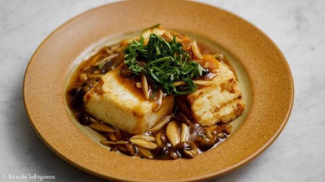 揚げ豆腐のきのこ味噌あんかけ
