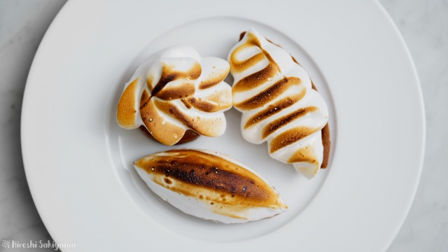 塩キャラメルナッツチョコタルト、上から