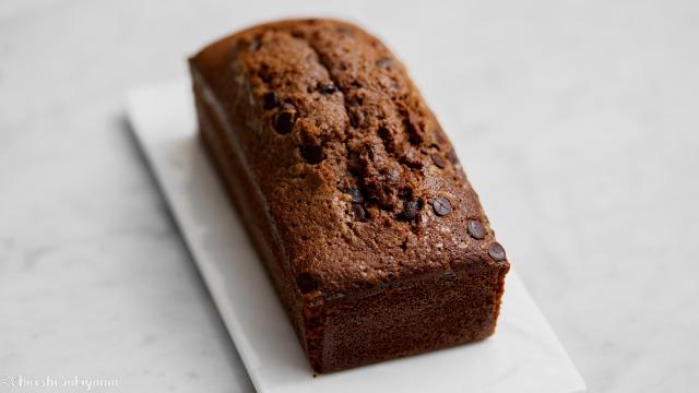 溶かしバターで作るチョコパウンドケーキ(ケーク・オ・ショコラ)、前から