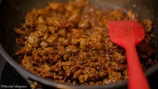 肉味噌を作る
