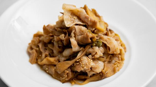 舞茸・白菜入り豚の生姜焼き(というか生姜煮)、アップ