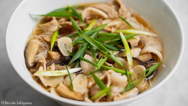 干し椎茸と豚バラ肉の汁ビーフン、アップ
