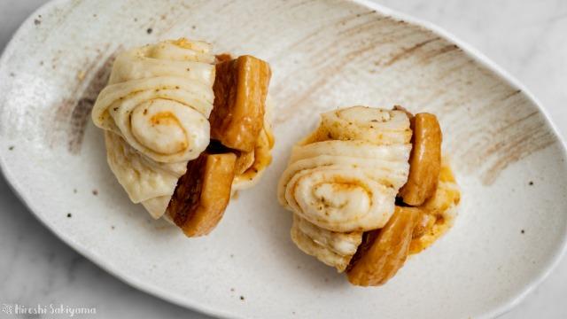 角煮サンド花巻き、上から