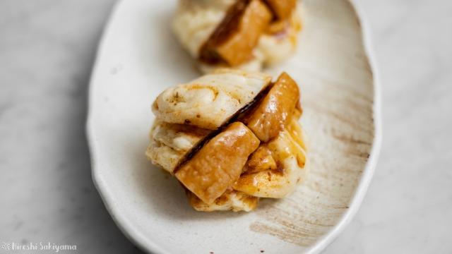 角煮サンド花巻き、アップ