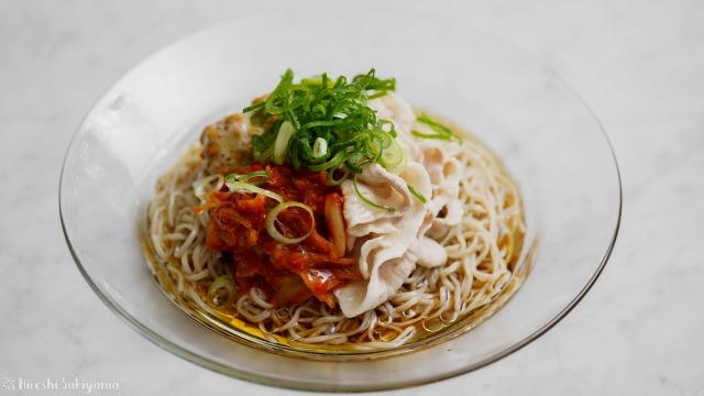 キムチ納豆冷やし蕎麦