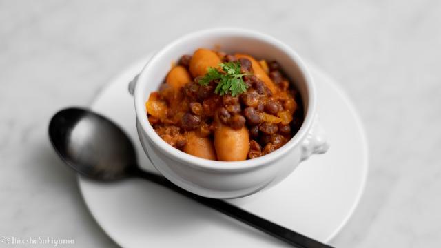 小豆とウインナーのトマト煮込み