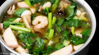 小松菜を加え煮る